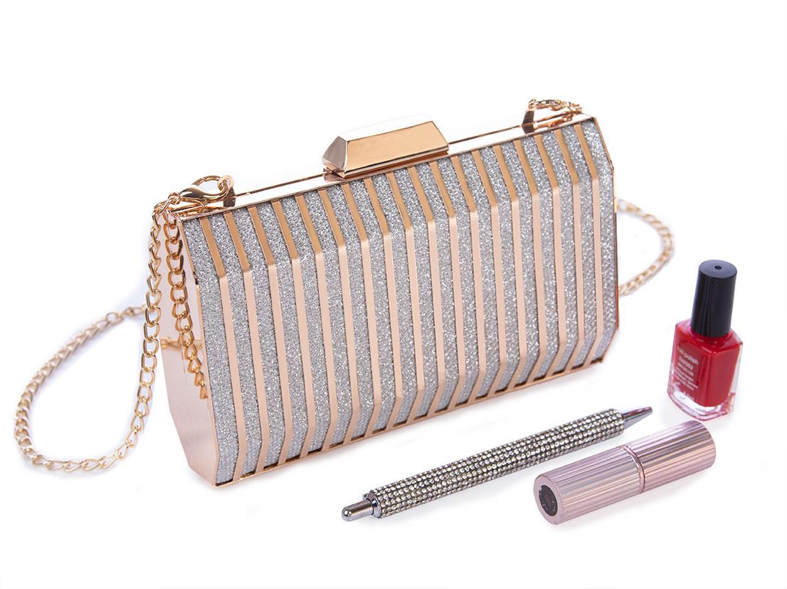 Metallic clutch purse
